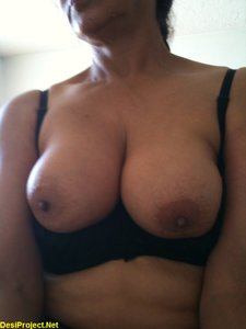 Big Boobs Paki Wife