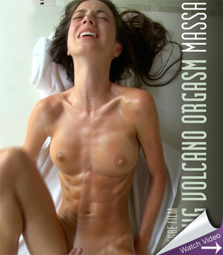 Women with abs naked