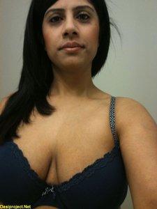 Beautiful Big Boobs MILF Girl 2