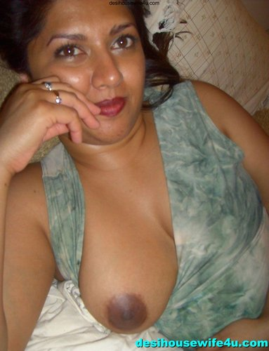 big boobs aunty fucked after self shoots her nude photos in jungle