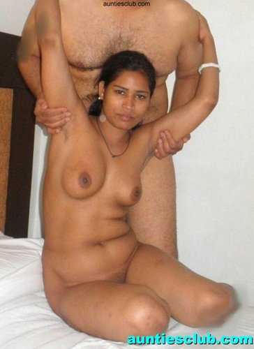 Indian Hot Desi Aunties Club: Horny Kerala Aunty Shows Breast And ...