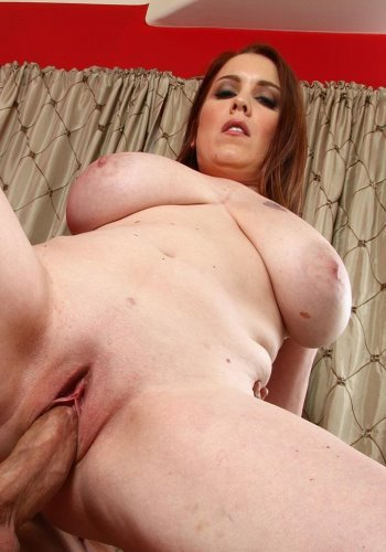 Download_Desiree_Deluca_Huge_Tits_on_Sexy_Masseuse.jpg
