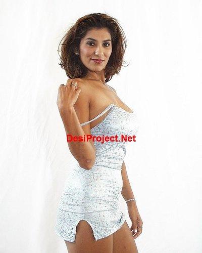 Hot Desi MILF Nude