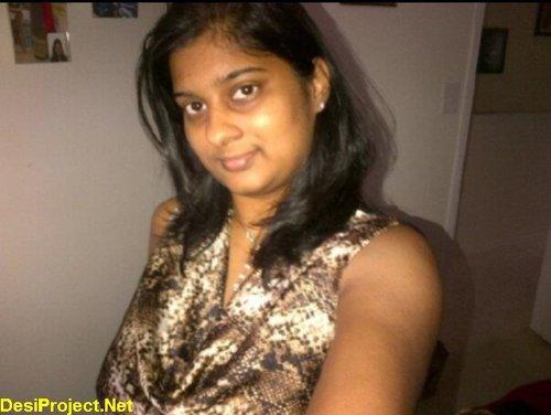 Srilankan girl Natasha Kaluarachchy naked in Skype