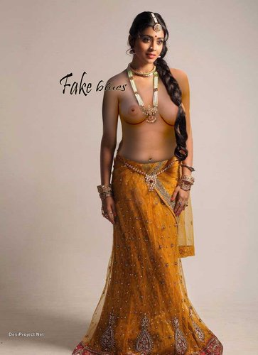 Shriya Saran Nude Pictures 4