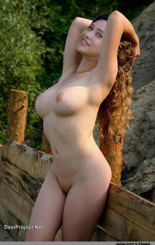 karishma kapoor naked pictures